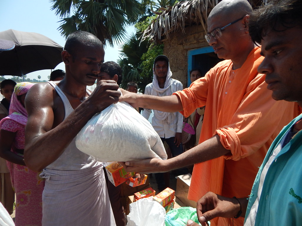 Flood Relief by Ramakrishna Mission, Patna