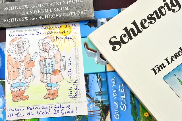 """September 2016 ... Urlaub in Deutschlands Norden. Einschlägige Reisebücher werden studiert, Prospekte durchforstet, Ansichtskarten gezeichnet, Grüße an liebe Daheimgebliebene verschickt ... Die """"Polarausrüstung"""" :-) war wohl für die Katz', es hat hier 28 Grad, puuuhhh!"""