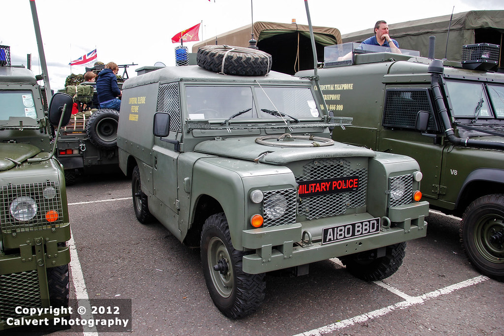 british army land rover series iii military police. Black Bedroom Furniture Sets. Home Design Ideas