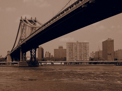 Manthattan bridge view from park (New York, USA 2012) | by paularps