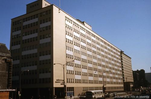 Hôpital Saint-Luc, boulevard Dorchester (René-Lévesque), v ...