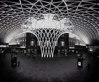 Kings Cross - Criss Cross B&W | by eztobyd