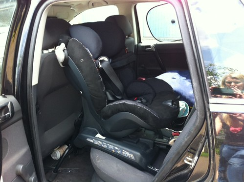 besafe izi combi x3 isofix in a vw polo 2002 plate flickr. Black Bedroom Furniture Sets. Home Design Ideas