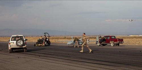 "Picture4 | Ground crew, ""flies"" to remove the Armadillo ..."
