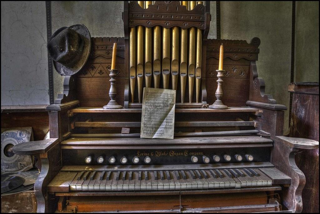 Sickly Organs The Loring Amp Blake Organ Company The