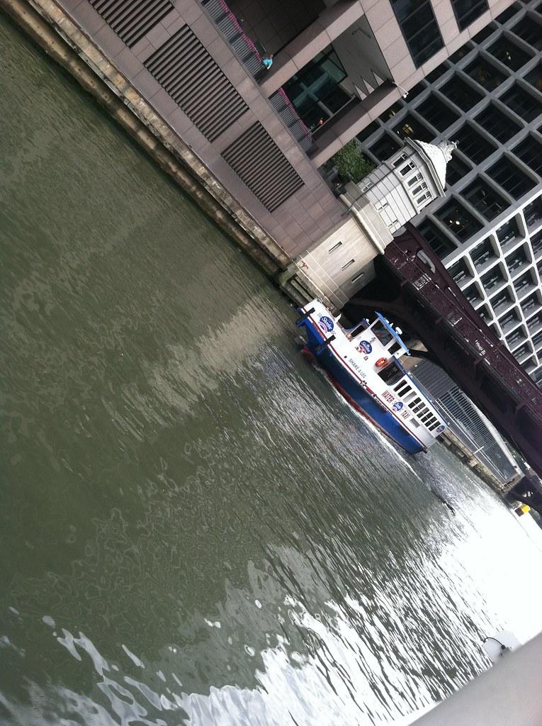 chicago river architectural boat tour ernesto vumbles