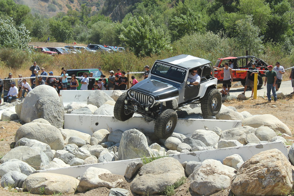 4x4 rc crawler with 7610819694 on Watch together with 278681 1985 Chevy Truck Mud Truck Rock Crawler 350 Interco 35quot 4x4 Project 4wd besides Watch as well 3d Printed Rc Micro Rock Crawler likewise RC D90 Crawler Land Rover Defender.
