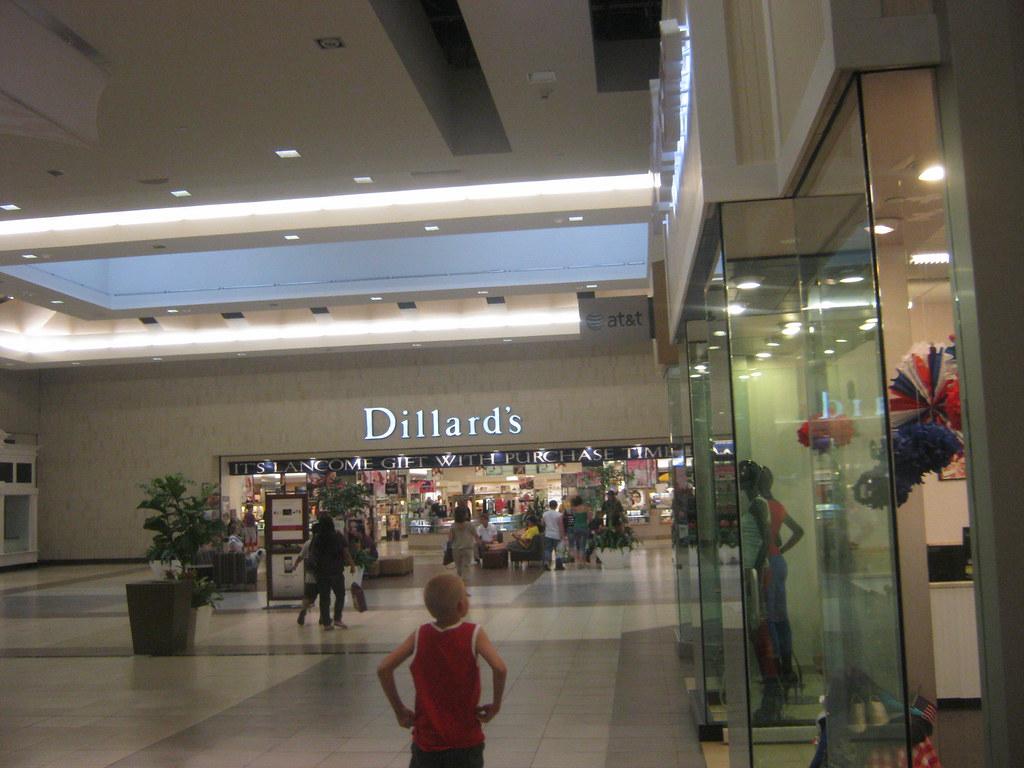 Dillards Fashion Mall