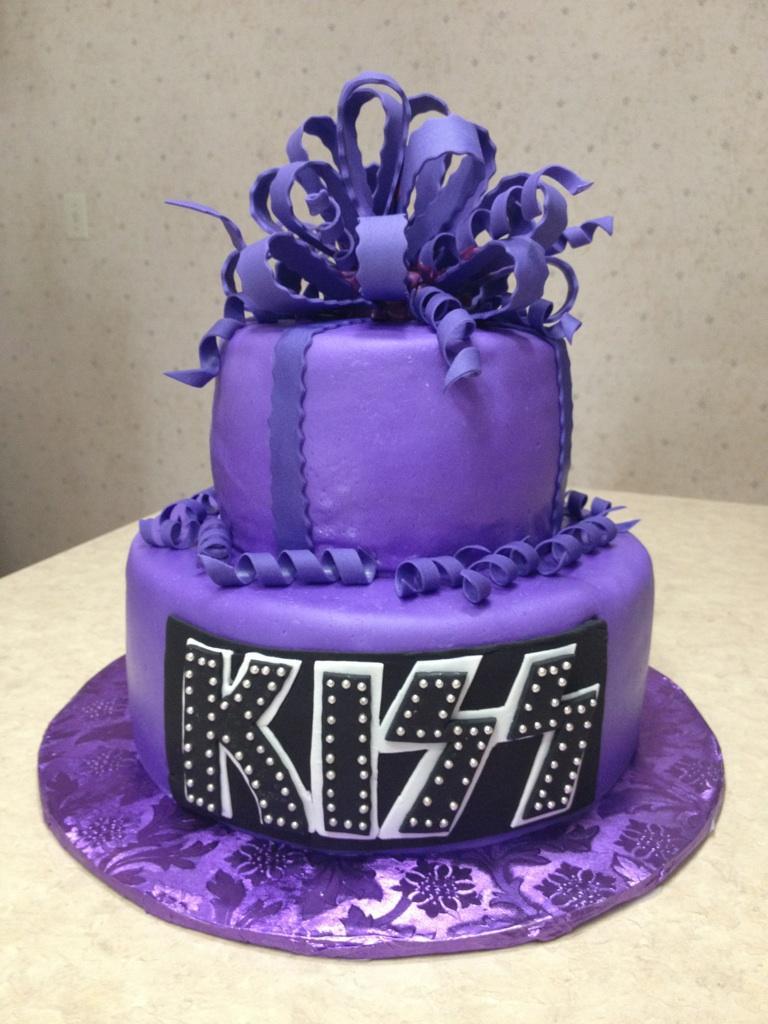 purple kiss cake