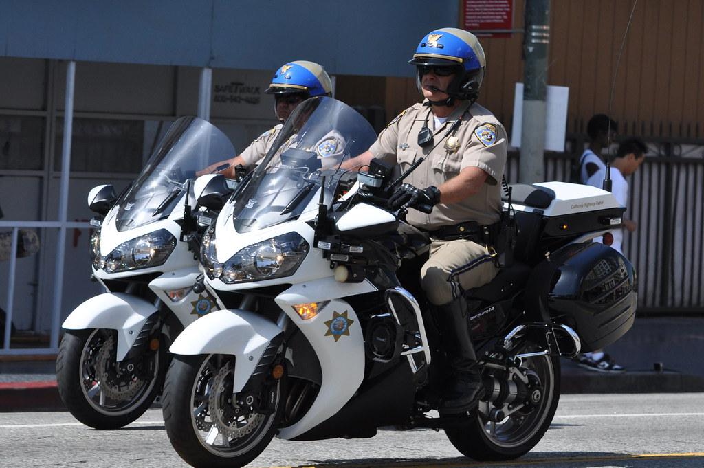 California Highway Patrol Chp Motor Officers On A Kawasa