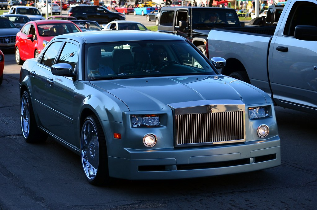 Chrysler 300 With Rolls Royce Phantom Front End Scott597