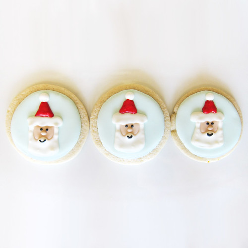 CHRISTMAS-COOKIES---FRIENDLY-SANTA-1B | by thepiecederesistance
