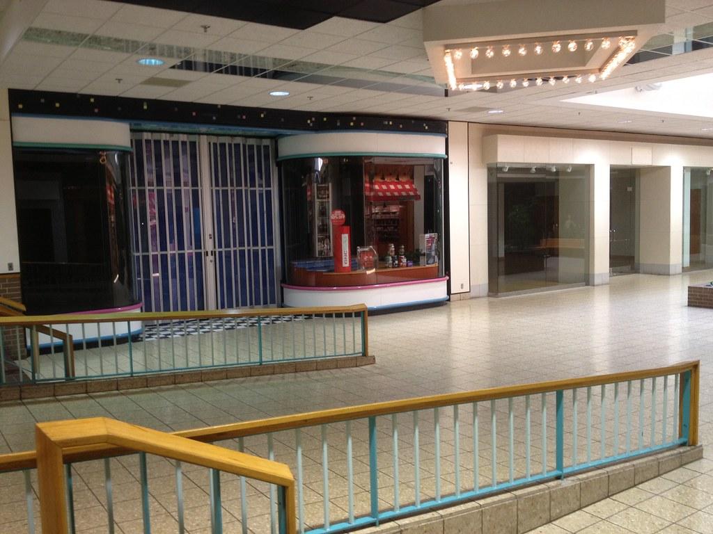 The Disney Store Metro North Mall Mike Kalasnik Flickr