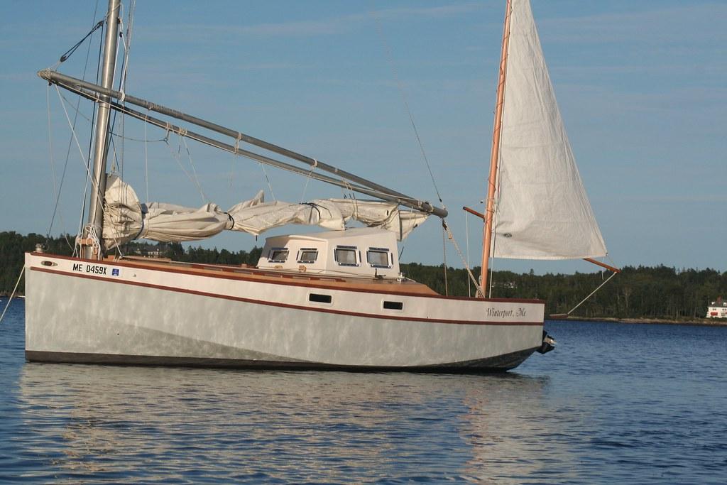 Efbjpg Red Zinger Phil Bolger - Bolger micro trawler boats