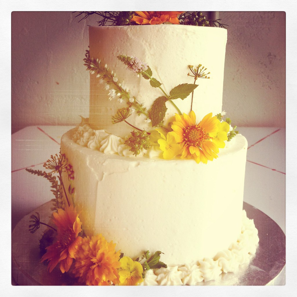Wedding Cake | Tiny wedding cake with fresh flowers! | Short Street ...