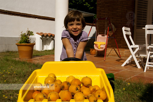 Clara with loquats | by ¡arturii!