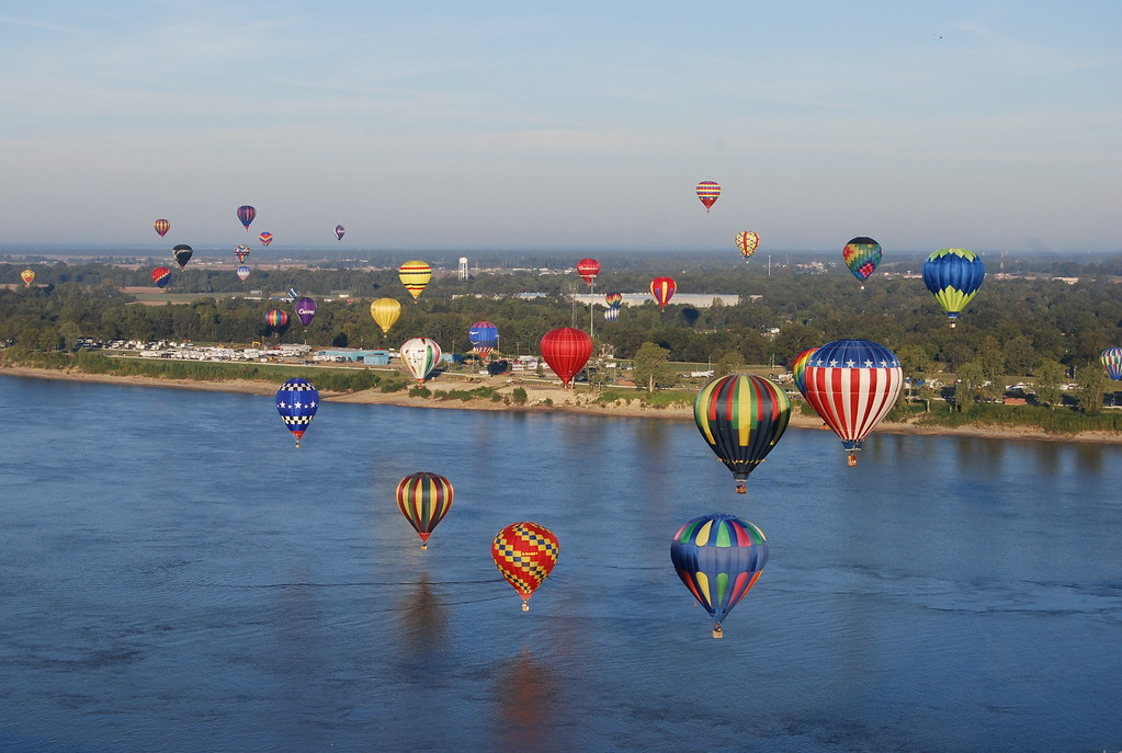 1985 mississippi hot air balloon pictures Bespoke Portraiture