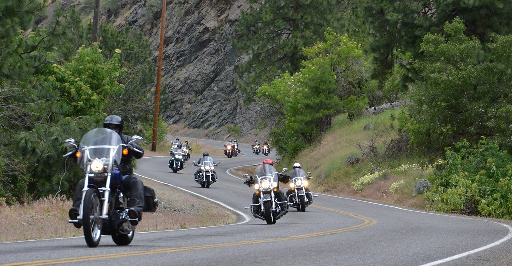 best American road trips for motorbikes tail of the dragon