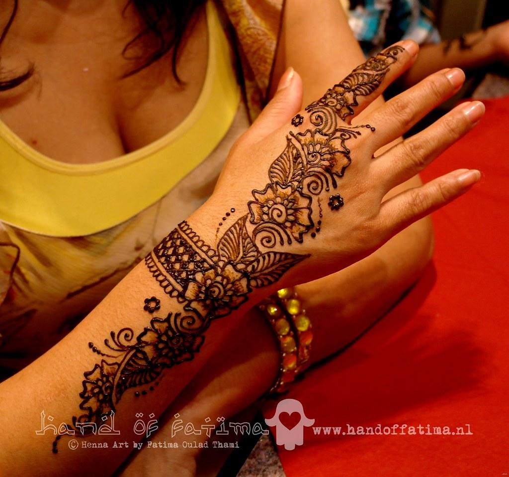 Mehndi Bracelet Design For Kids : Bracelet henna design indian wedding in the