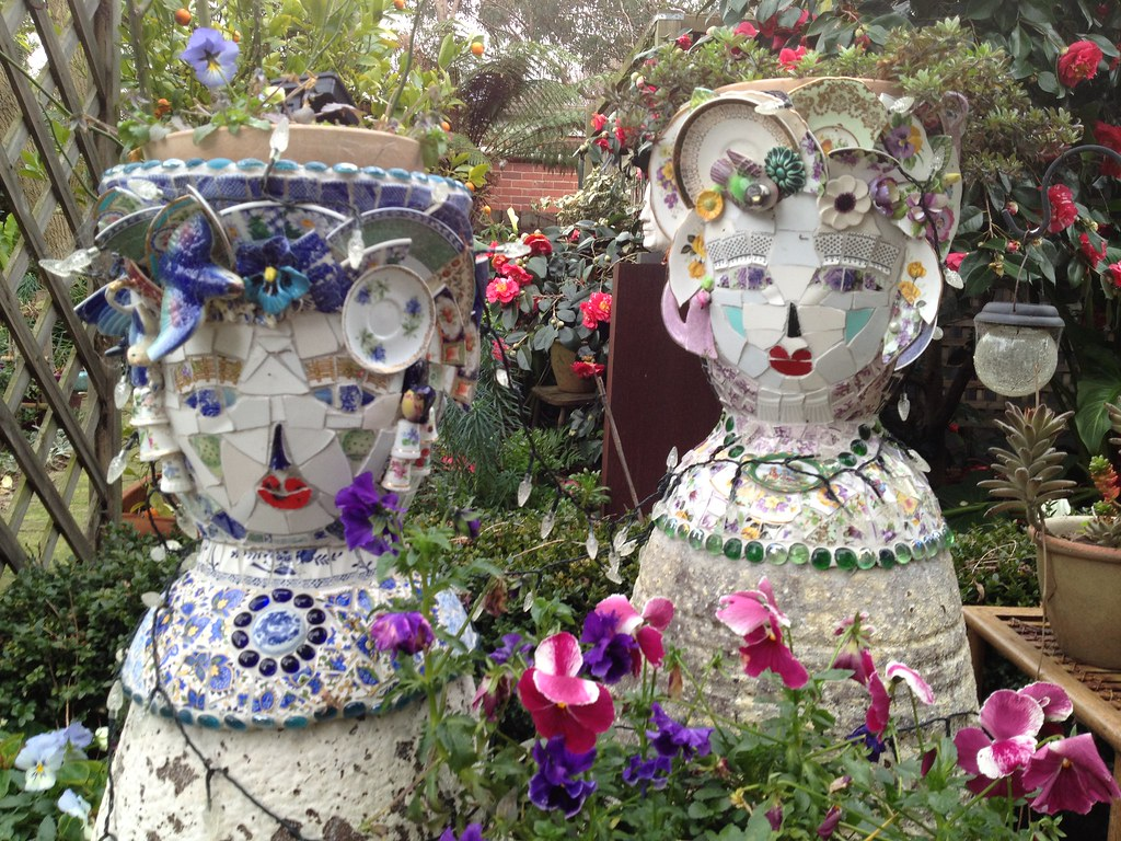 Mosaic planters made on a base of garden pots assembled in flickr mosaic planters by gillmmosaics mosaic planters by gillmmosaics workwithnaturefo