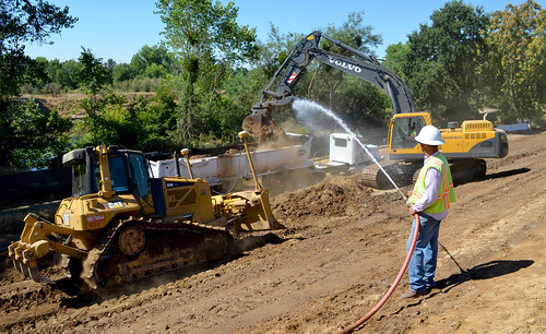 Keeping down dust during Howe Avenue levee raise start | by USACE-Sacramento District
