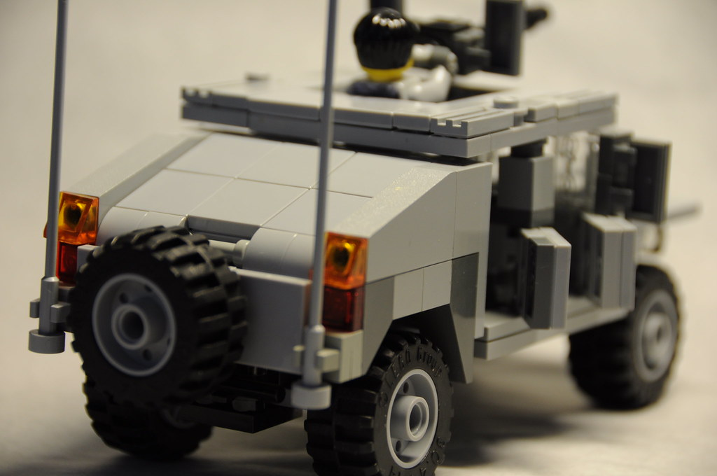 how to build a lego hummer