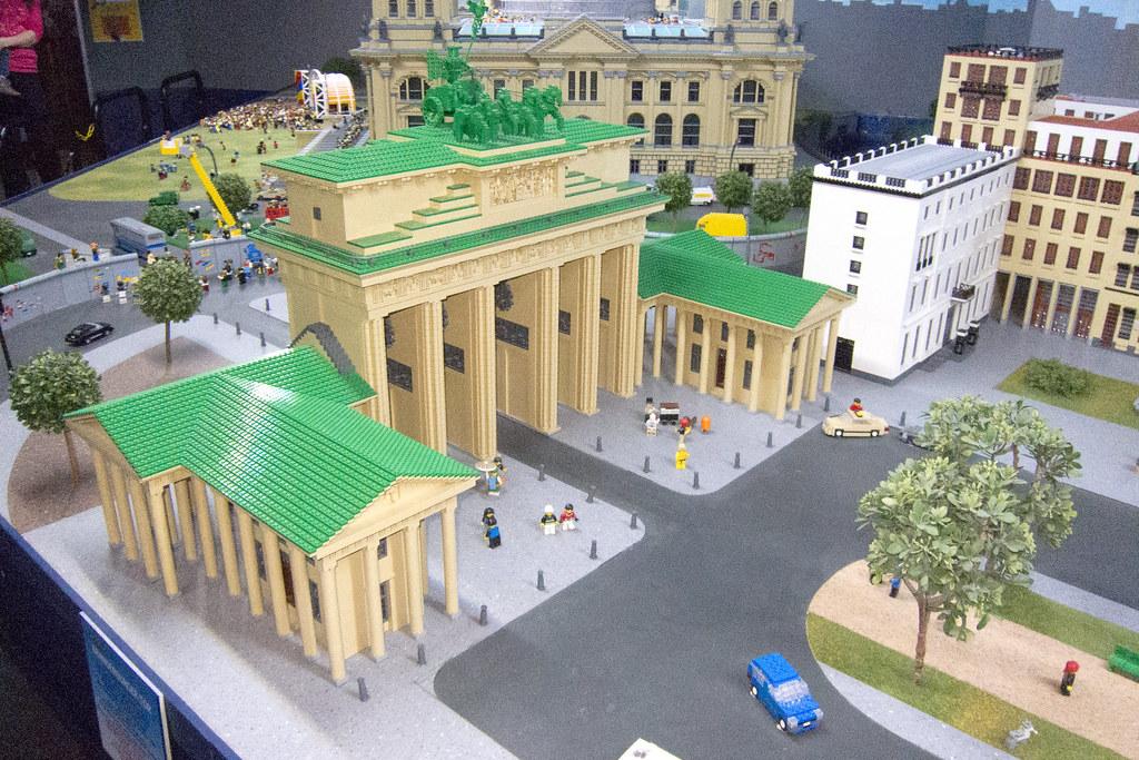 Brandenburg Gate Map Brandenburg Gate in Lego