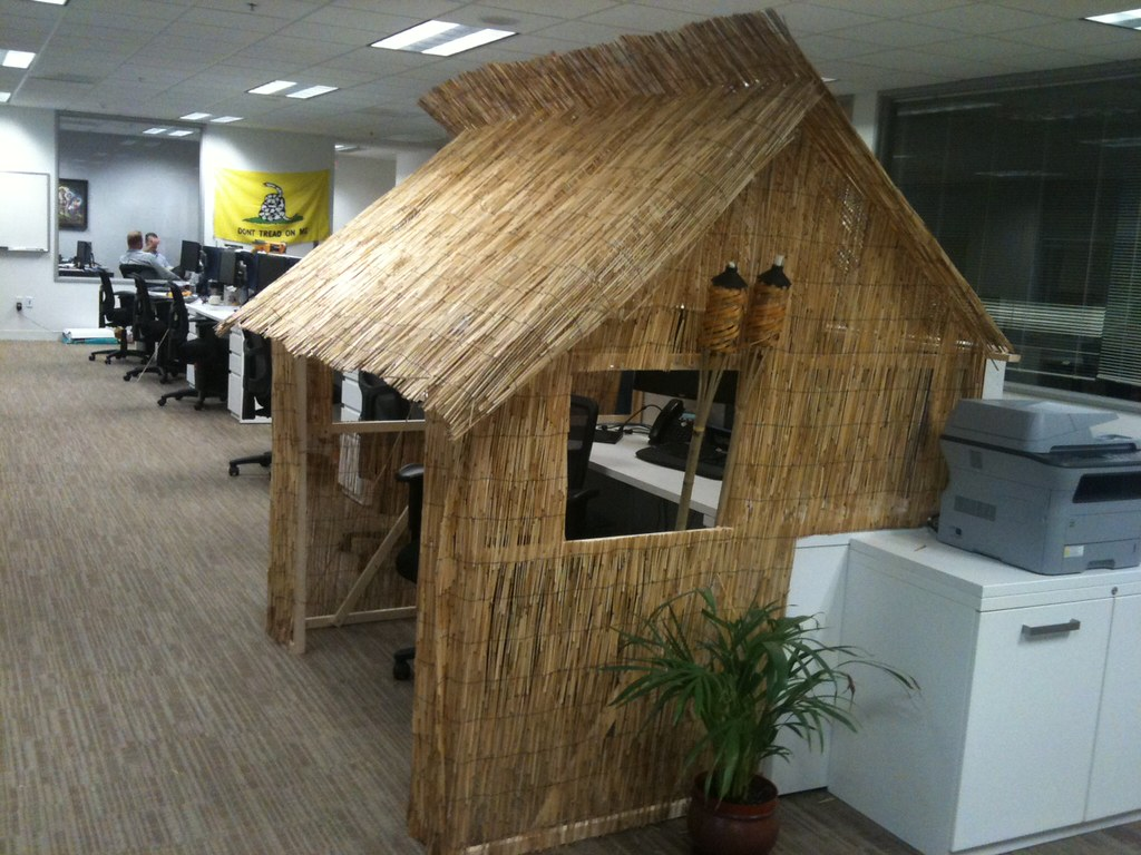 Tiki Hut Cubicle Business Com Decided To Have A Cubicle