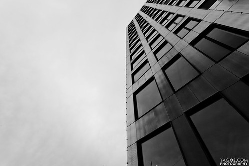 Brutal Vanishing Architecture | by yago1.com