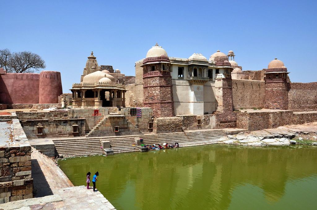 india rajasthan chittorgarh fort ratan singh palace