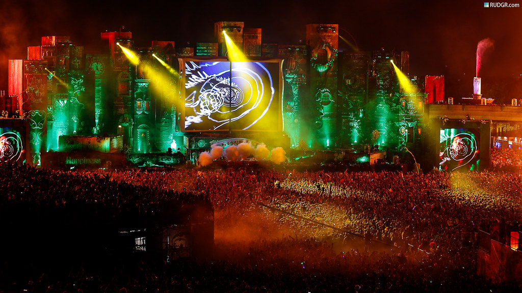 Tomorrowland 2012 Wallpaper (16:9) | This free hires/XXL ... Tomorrowland 2012 Wallpaper
