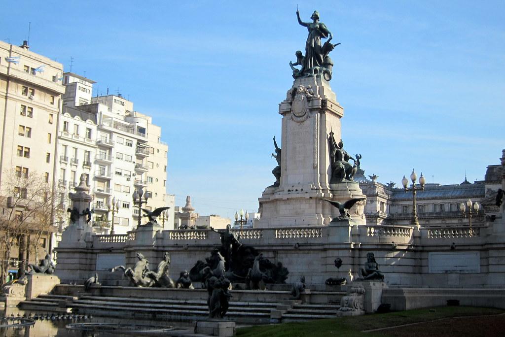 Buenos aires balvanera plaza del congreso monumento d for Semana del diseno buenos aires