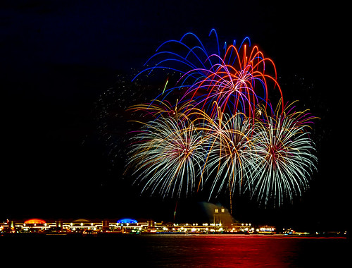 Fireworks Over Navy Pier | by Barry Grau