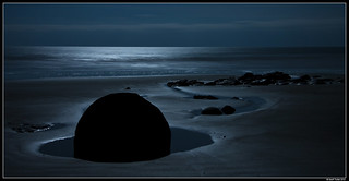 Moeraki Moon Shine | by Geoff Trotter