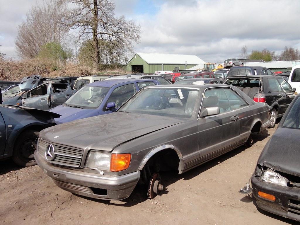 Mercedes w126 500 sec junkyard pijffers broekland nl for Mercedes benz junkyard