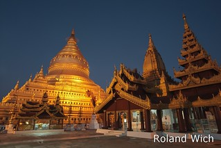 Shwezigon Pagoda at dawn | by Rolandito.