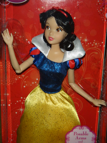 Snow White - 2012 Classic Disney Princess 12'' Doll - Boxed - Midrange Front View | by drj1828