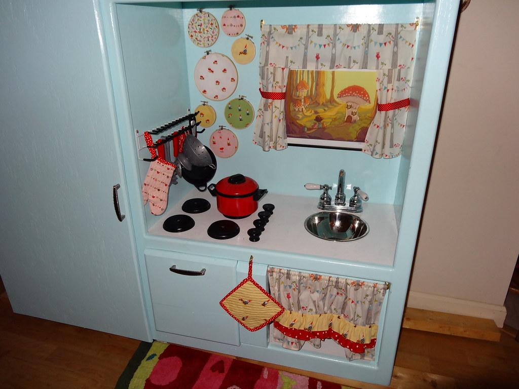 Gnome Sweet Gnome Kitchen | The DIY kids kitchen my ...