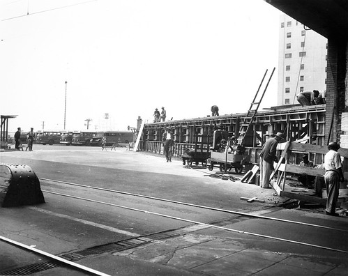 Sixth and Main Station Bus Deck | by Metro Transportation Library and Archive