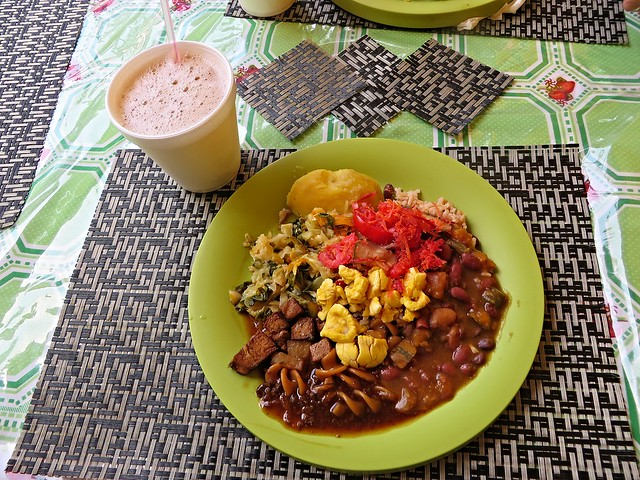 rastafarian restaurant, restaurants in ocho rios, hibiscus lodge hotel, best food in jamaica, jamaican food, traditional jamaican food, authentic jamaican food