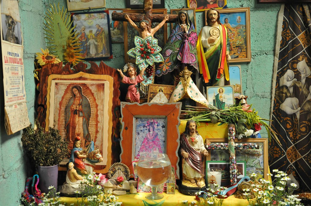 Maya home altar chiapas altar in the home of a maya for Catholic decorations home