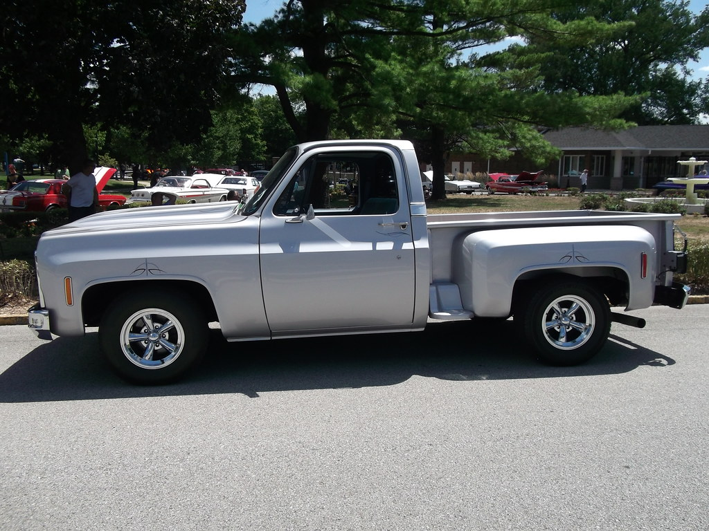 1977 chevy c10 stepside truck 2 pictured at the car. Black Bedroom Furniture Sets. Home Design Ideas