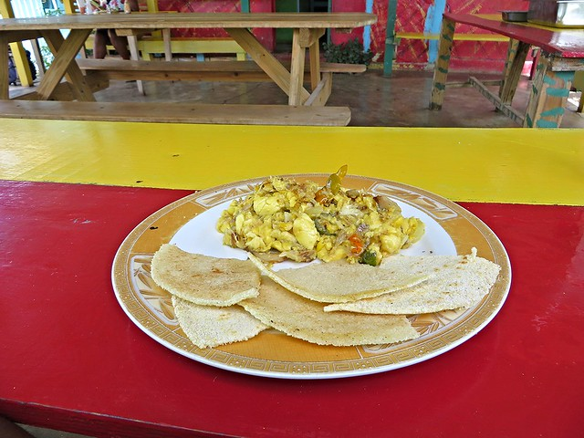 ackee and saltfish, bammy, jamaican food, best jamaican food, things to eat in jamaica, smurfs cafe, treasure beach
