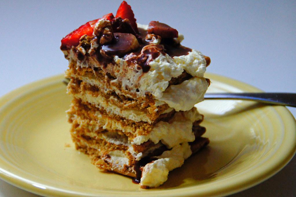 Banana Split Cake With Strawberries And Cream Cheese