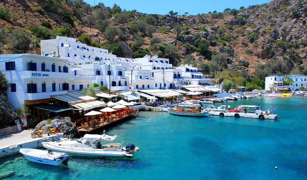 how to get to loutro crete