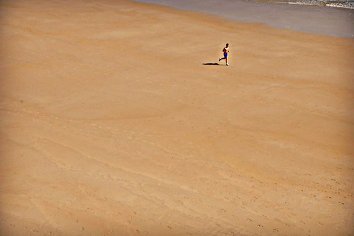 La soledad del corredor de fondo --- The loneliness of the long distance runner | by L C L