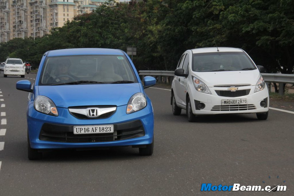Chevrolet Beat Vs Honda Brio 05 Motorbeamcarsche Flickr