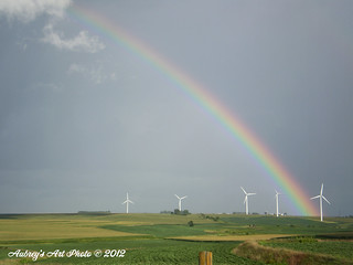 Rainbow over MidAmerican Energy's Walnut Wind Park, located in Iowa. | by NA Windpower