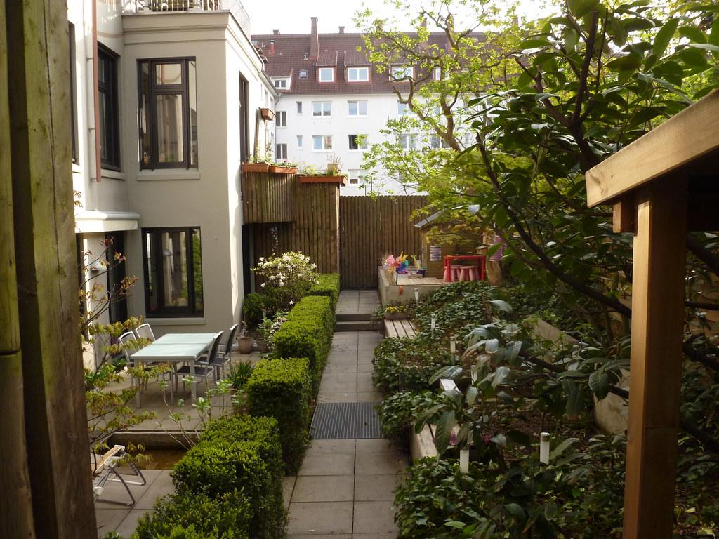 Urban garden stadtgarten in hamburg upper path with gr - Stadtgarten hamburg ...