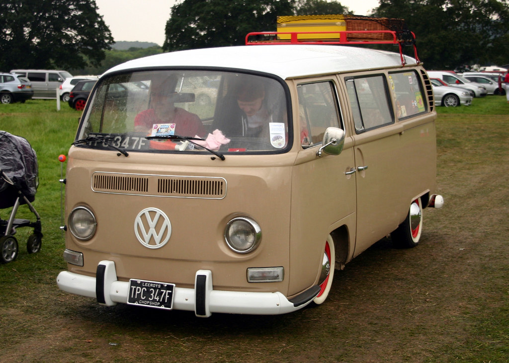 1968 bay window vw bus had a cone type exhaust and was for 14 window vw bus